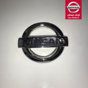 آرم جلو پنجره پیکاپ ایرانی